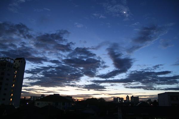 วันที่ฟ้าสว่าง