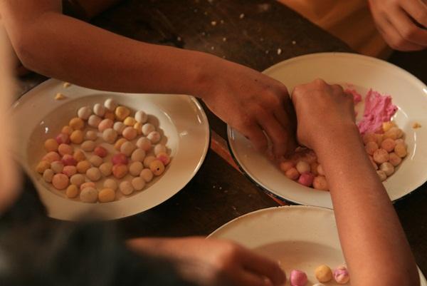 ฐานสอนน้องๆทำบัวลอย ครับ อร่อยมากๆๆ confirm